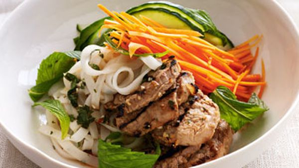 Lemongrass pork with rice noodles