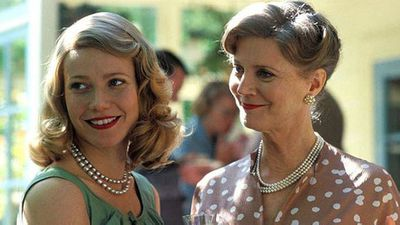 <p>Gwyneth Paltrow and Blythe Danner</p>