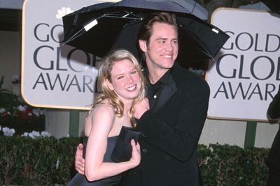 Lovers glow or a dab of illuminator? Renee's then-boyfriend Jim Carey proposed to the beauty in 1999... then split a year later! <br/>