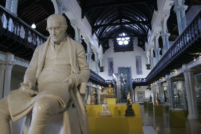 <strong>Hunterian Museum</strong>