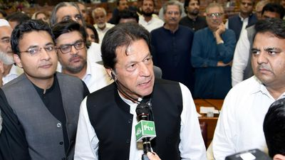 Imran Khan sworn in as Pakistan PM