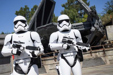 Disneyland Star Wars: Galaxy Edge - Storm Troopers patrolling grounds