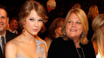 Taylor Swift's ultimate Swiftie: Mama Andrea Finlay