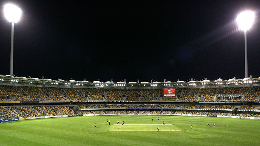 A domestic cricket match being played under lights at the Gabba. (Getty-file)