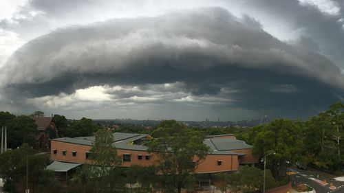 The storm loomed over Military Road on Sydney's north shore. (Emily Taffs/Supplied)