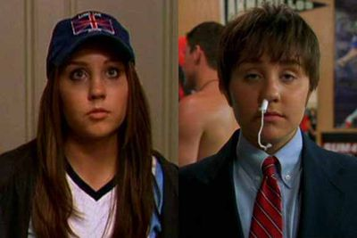 Amanda Bynes proves herself to be a comic legend as she undergoes a gender transformation in this story of hidden identity. She actually looks pretty cute as a boy.