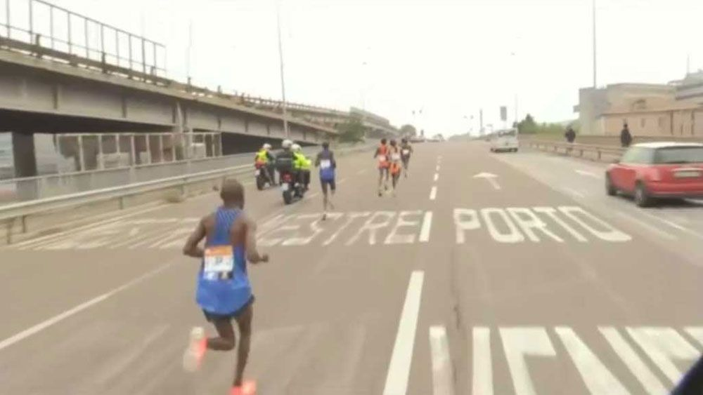 Venice Marathon won in farcical scenes after six runners take wrong turn