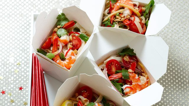 Noodle box prawn salad