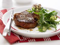 Steak and green salad