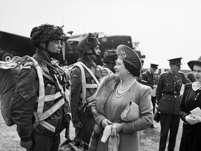 Queen Elizabeth and Princess Elizabeth, May 1994