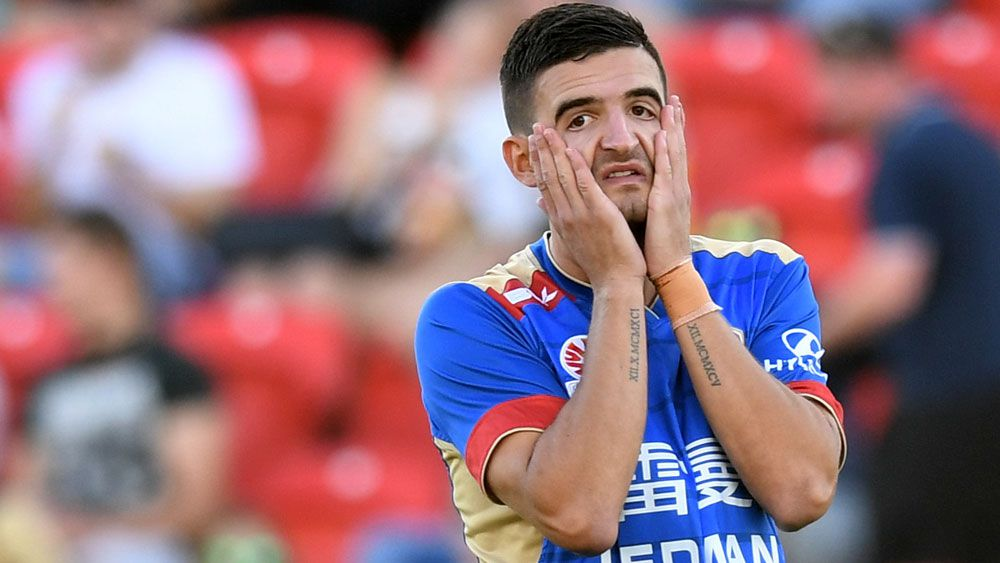 Mariners deny Jets a top six A-League spot
