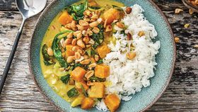 Thai coconut pumpkin and veggie curry