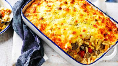 Recipe: Cheesy mushroom, bacon and vegetable pasta bake