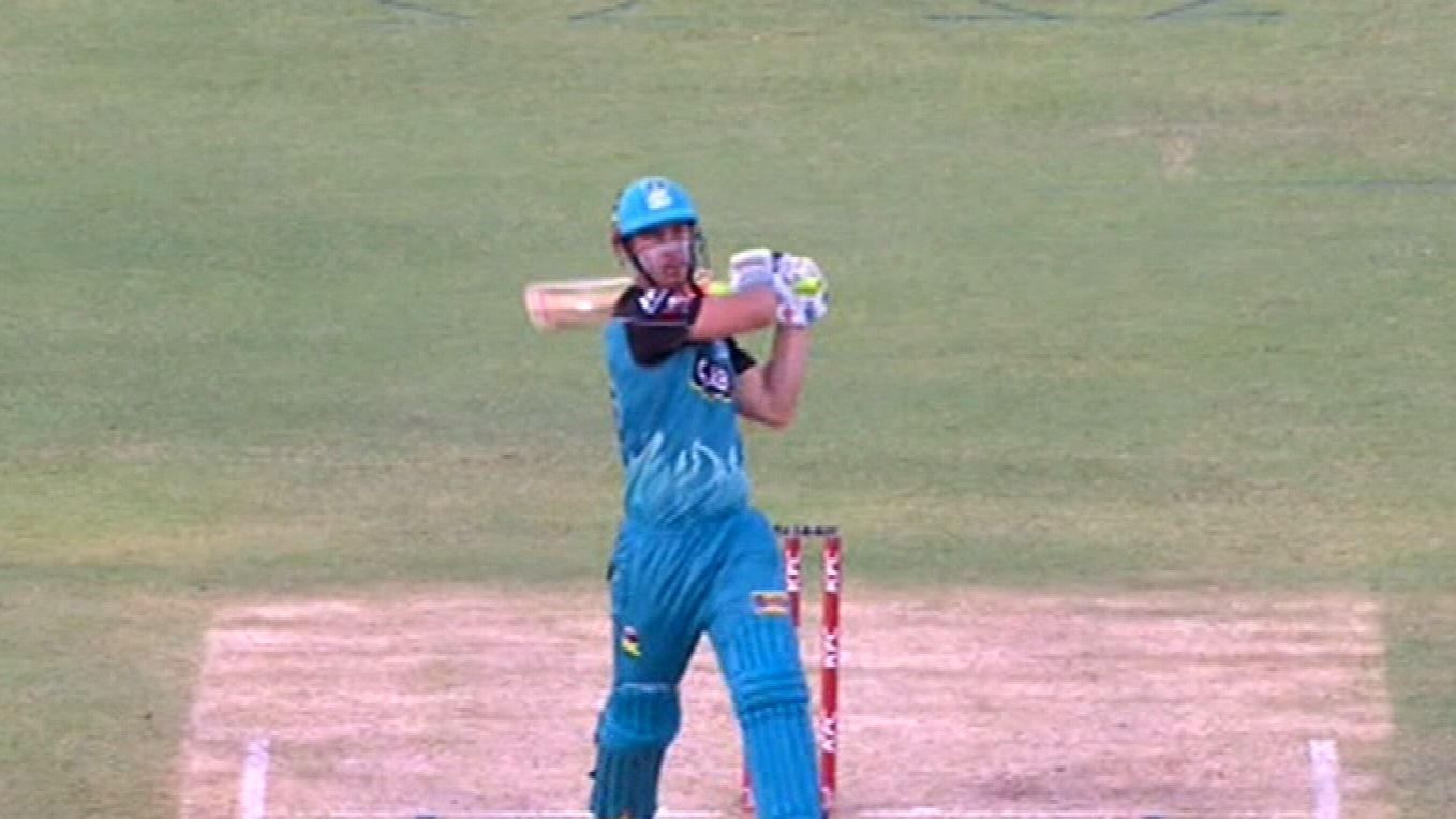 Lynn leads Brisbane to victory over Scorchers