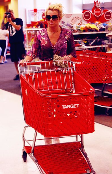 Britney Spears, shopping, target, pushing trolley