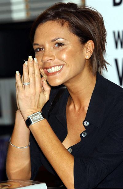 In 2001 the former Posh Spice upgraded to a platinum set eternity band.