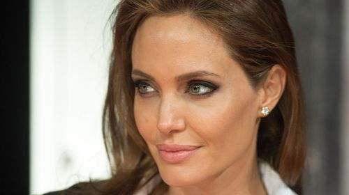 Angelina Jolie comes down with chicken pox