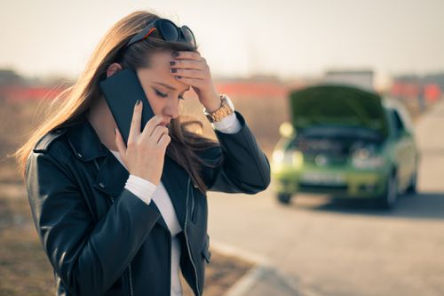 23 per cent of people who suffer roadside breakdowns call their partners, rather than roadside assistance. Picture: Getty iStock