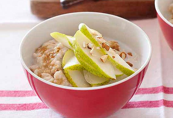 Pear, pecan and coconut porridge