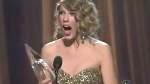 Watch: Taylor Swift pulls epic 'OMG' face every time she wins an award