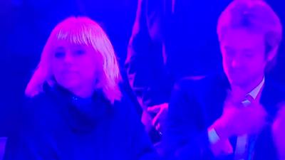 Billie Eilish 'shades' J.Lo (...or does she?)