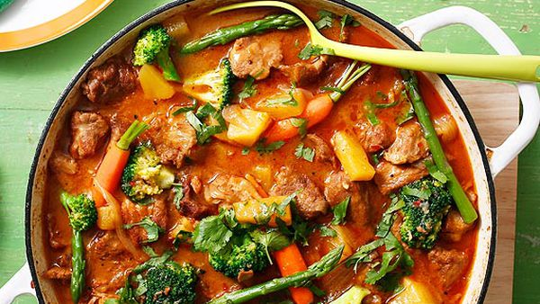 Slow-cooked pork and pineapple