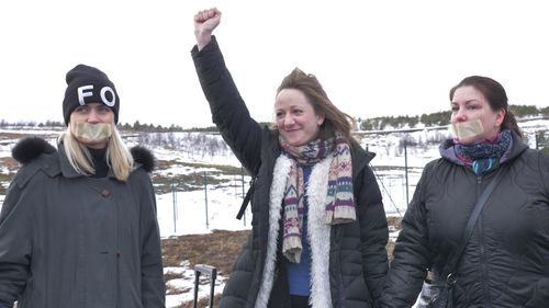 Nara Walker was supported by protesters as she entered the prison near Reykjavik.