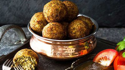 "Recipe:&nbsp;<a href=""http://kitchen.nine.com.au/2016/05/05/13/26/grandmas-kola-urundai-deepfried-southern-indian-meatballs"" target=""_top"" draggable=""false"">Grandma's kola urundai deep-fried southern Indian meatballs</a>"