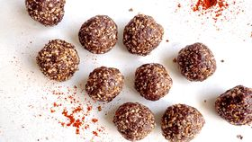 Chilli chocolate bliss balls