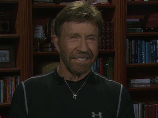 Chuck Norris fighting in Wallabies corner