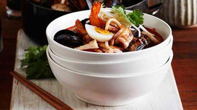 "<a href=""http://kitchen.nine.com.au/2016/05/05/15/23/seafood-laksa"" target=""_top"">Seafood laksa</a> recipe"