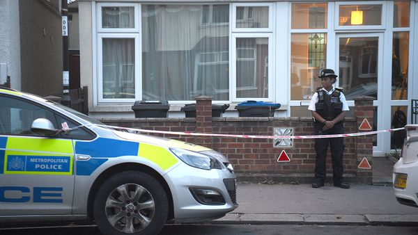 pregnant woman stabbed in London