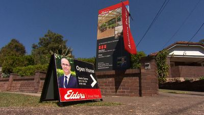 Sydney property prices begin to plummet