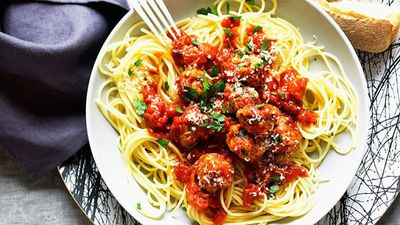 "Recipe:&nbsp;<a href=""http://kitchen.nine.com.au/2016/05/16/16/45/spaghetti-and-meatballs"" target=""_top"">Spaghetti and meatballs<br /> </a>"