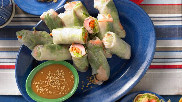 Hoisin pork rice-paper rolls