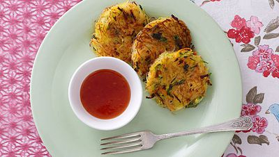 """Recipe:<a href=""""/recipes/irice/8346869/rice-noodle-cakes"""">Rice noodle cakes</a>"""
