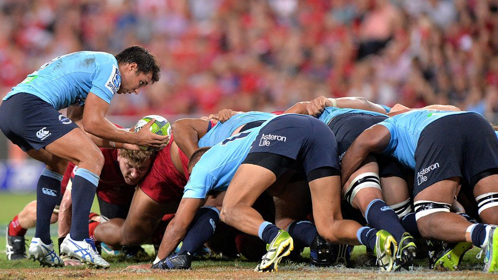 The Waratahs forwards pack into a scrum. (Getty)