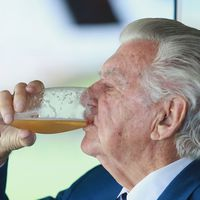 Bob Hawke's best beer moments remembered after his death