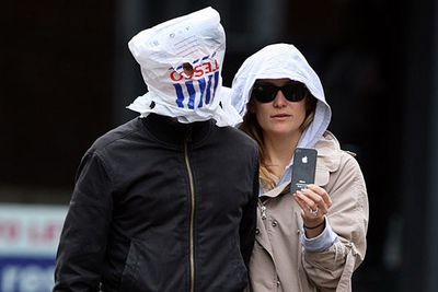 Kate Hudson's hubby wins the prize for Worst Celebrity Disguise. Ever.