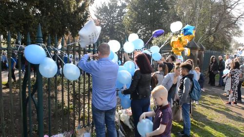 The local community has gathered to pay tribute to Tori at West Park. (YouTube)