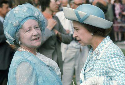 The Queen Mother and Queen Elizabeth II, Royal Ascot 1975