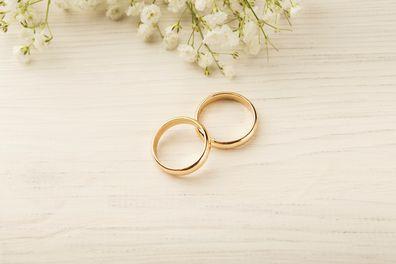 mum marrying a gold digger