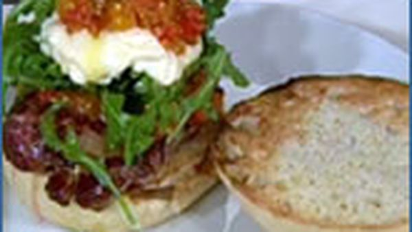 Fillet steak burgers with aioli and tomato chutney