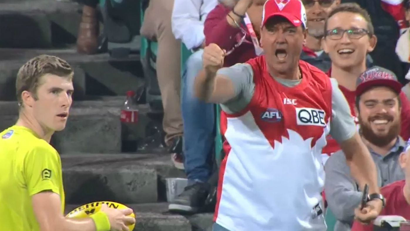 Swans fan comically sprays umpire, has commentators in stitches