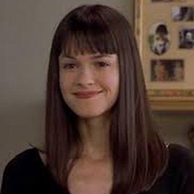 Susan May Pratt as Maureen Cummings: Then