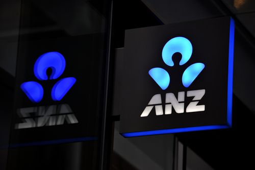 ANZ customers report the mobile payment app has crashed.