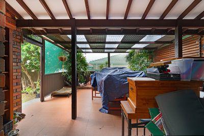 Faye's Sunroom — Before