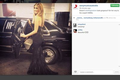 @sonymusicaustralia: Doesn't @deltagoodrem look gorgeous? On her way to the carpet! #ARIAs