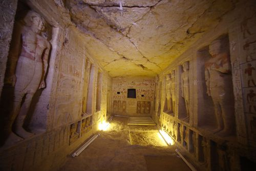A tomb thought to be more than 4,000 years old and built for a senior official from the fifth dynasty of pharaohs has been discovered in Egypt.