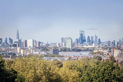 London – 865,000 hashtags